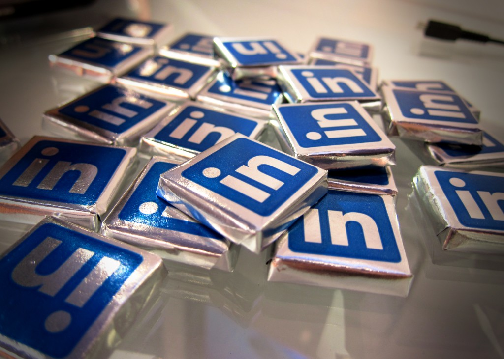 How to find a job using LinkedIn